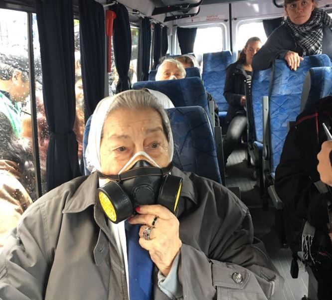 Madres de Plaza de Mayo asisten a marcha protegidas