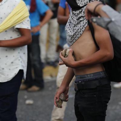 México intercambia información para detener a migrantes centroamericanos armados