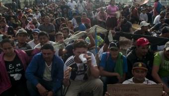 Pence acusa a Venezuela de patrocinar caravana de migrantes