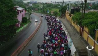 Migrantes Hondureños Continúan Travesía Guatemala Caravana