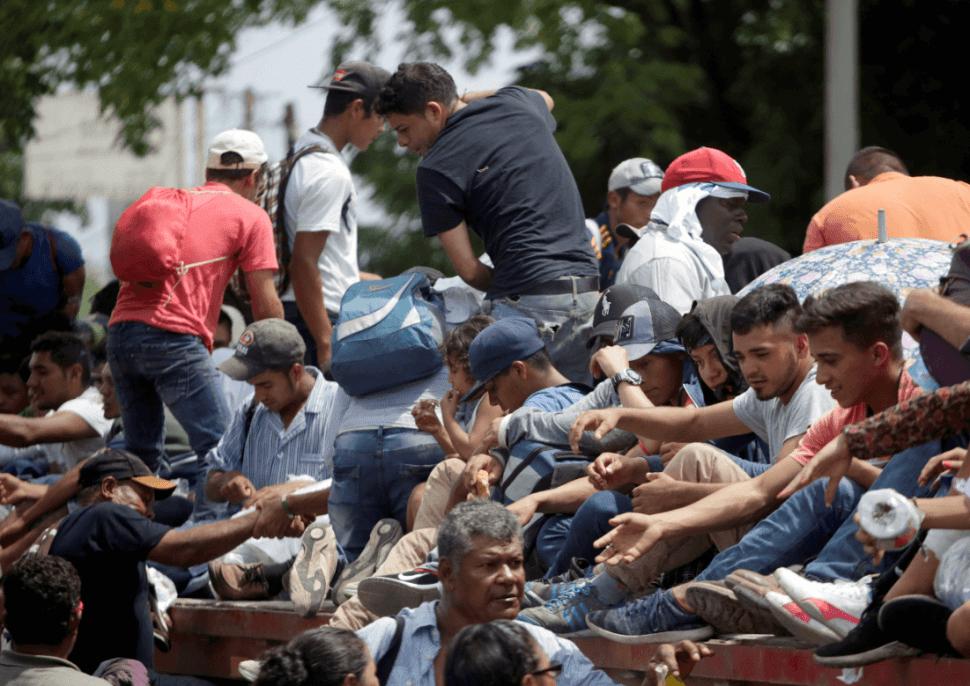 Migrantes hondureños en Guatemala, se dirigen a México. (AP)
