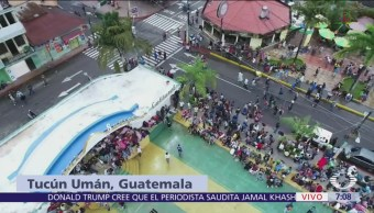 Migrantes se concentran en plaza central de Tecún Umán, Guatemala