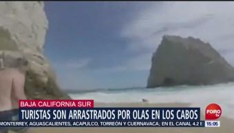 Rescatan a turistas de ahogarse en BCS
