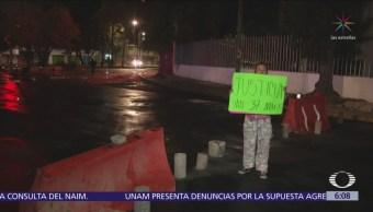 Padres de familia liberan vialidad en San Juan de Aragón