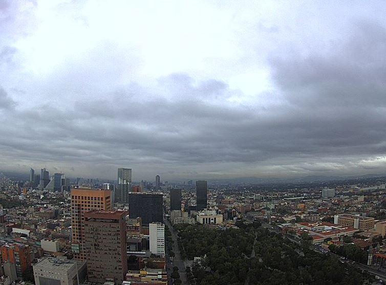 Prevén lluvias y 23 grados en la Ciudad de México