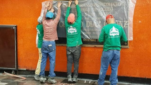 División de opiniones, por retiro de placas alusivas a Díaz Ordaz del Metro