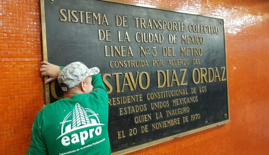 Retirarán del Metro placas alusivas a autoridades de 1968