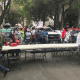 Trabajadores instalan plantón frente a oficinas de AMLO