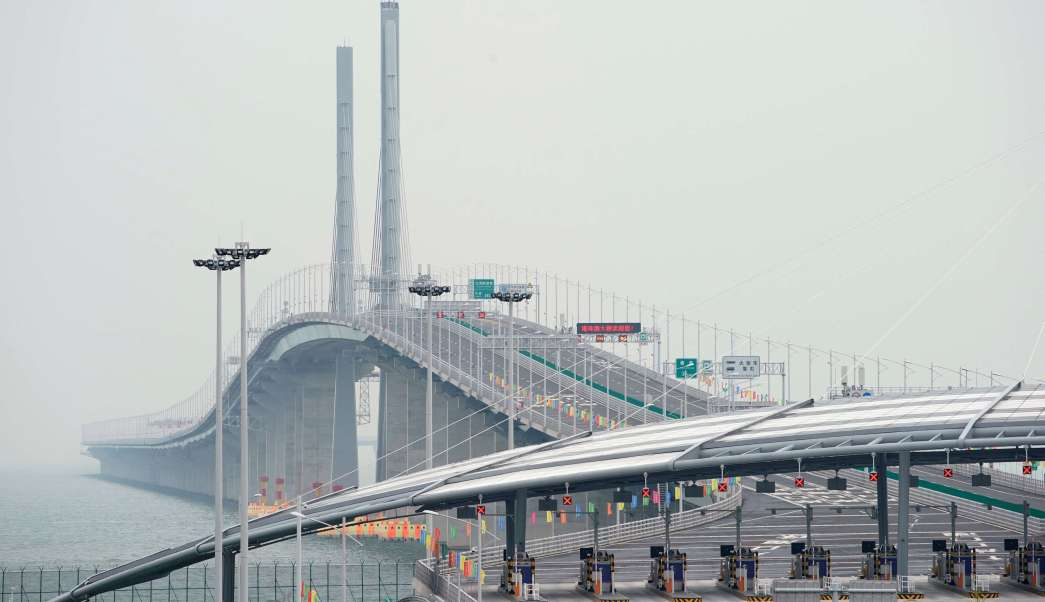 Xi Jinping inaugura el puente marítimo más largo del mundo