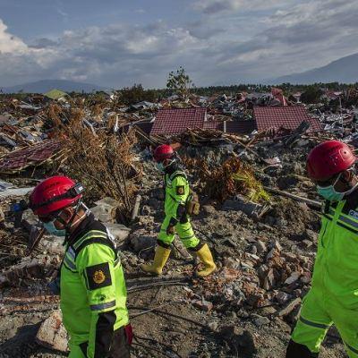 Se agota el tiempo para hallar sobrevivientes en Indonesia por terremoto