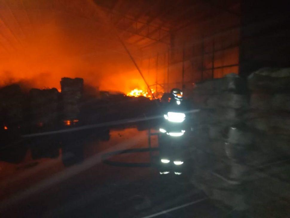 Se incendia bodega en Nuevo León