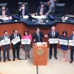 Senadores se confrontan por consulta y cancelación del nuevo aeropuerto