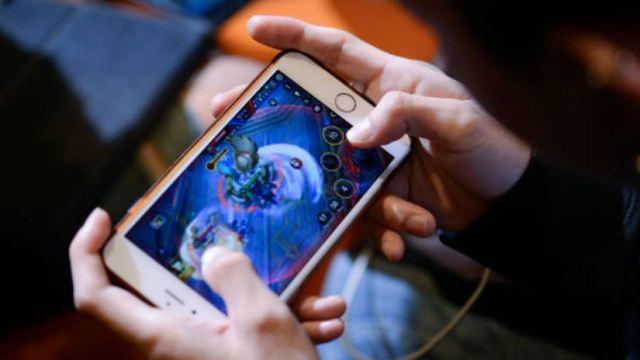 Uso de dispositivos electrónicos altera el desarrollo emocional