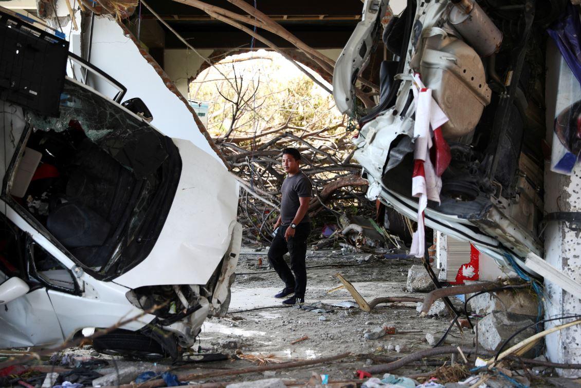 ascienden mil 424 muertos por terremoto tsunami indonesia