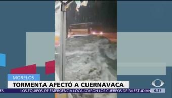 Tromba en Cuernavaca, Morelos, inunda calles estacionamiento
