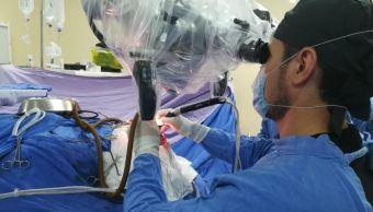 Especialistas del IMSS en Veracruz retiran tumor cerebral