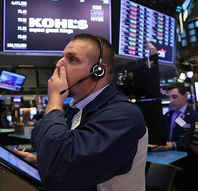 Wall Street se derrumba arrastrado por alza de rendimientos de bonos EU