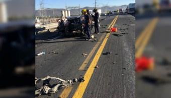 Una familia muere luego de estrellar auto contra autobús en Saltillo