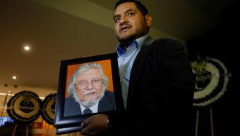 Amigos y familiares despiden a Fernando del Paso
