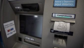 Por qué son tan altas las comisiones bancarias en México
