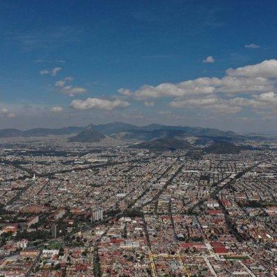 Prevén cielo parcialmente nublado con posibles lluvias aisladas en Valle de México