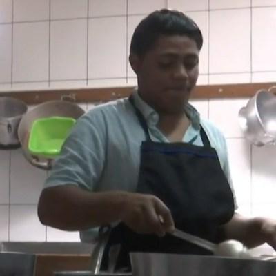 Migrantes centroamericanos ya trabajan en restaurante de Baja California