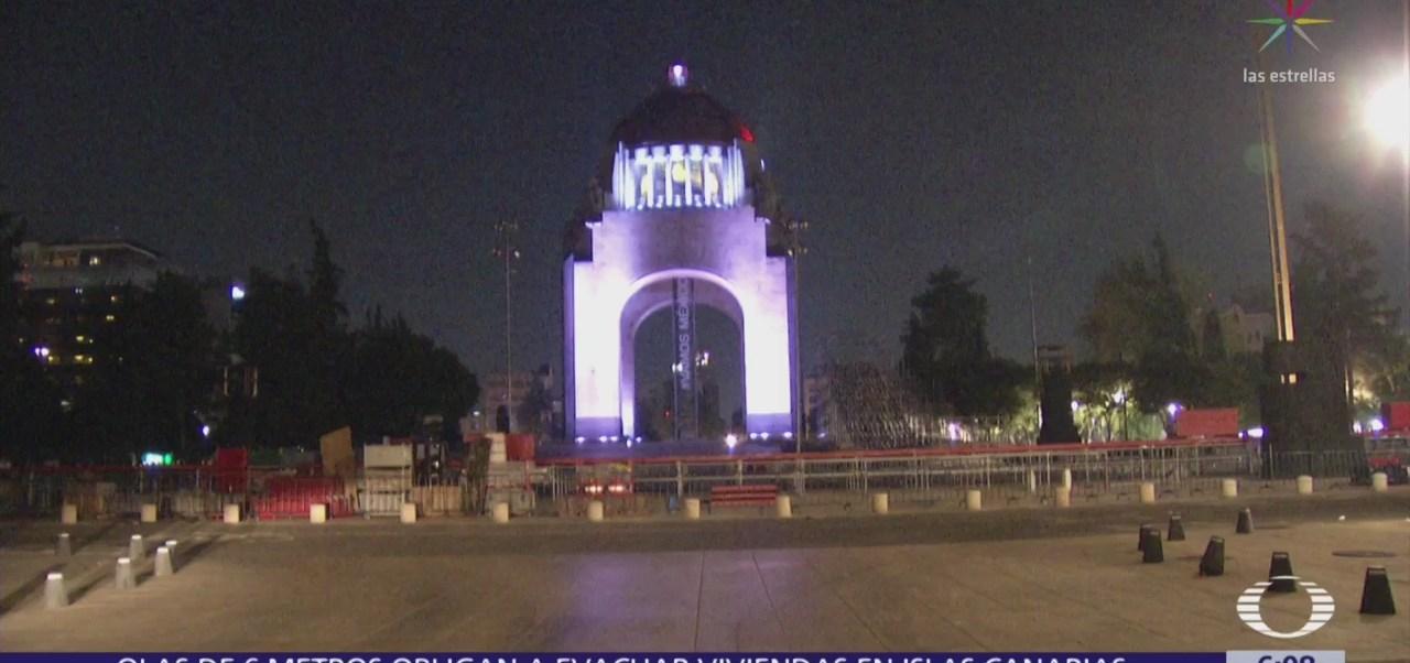Empiezan a instalar la pista de hielo en el Monumento a la Revolución