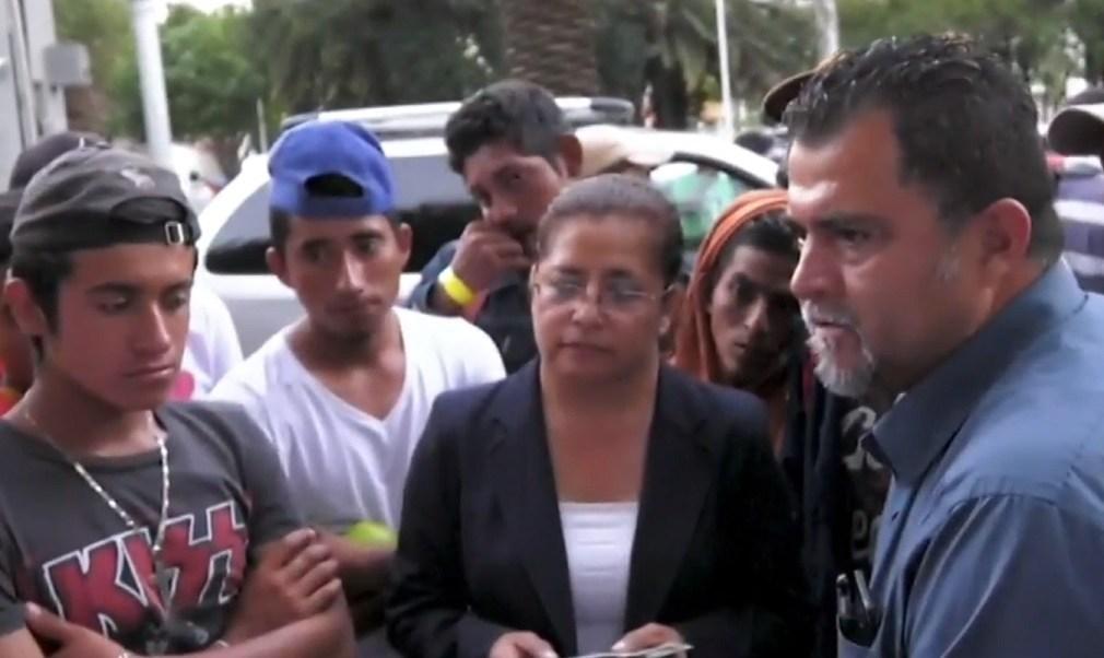 Empresario mexiquense da trabajo a 12 migrantes centroamericanos