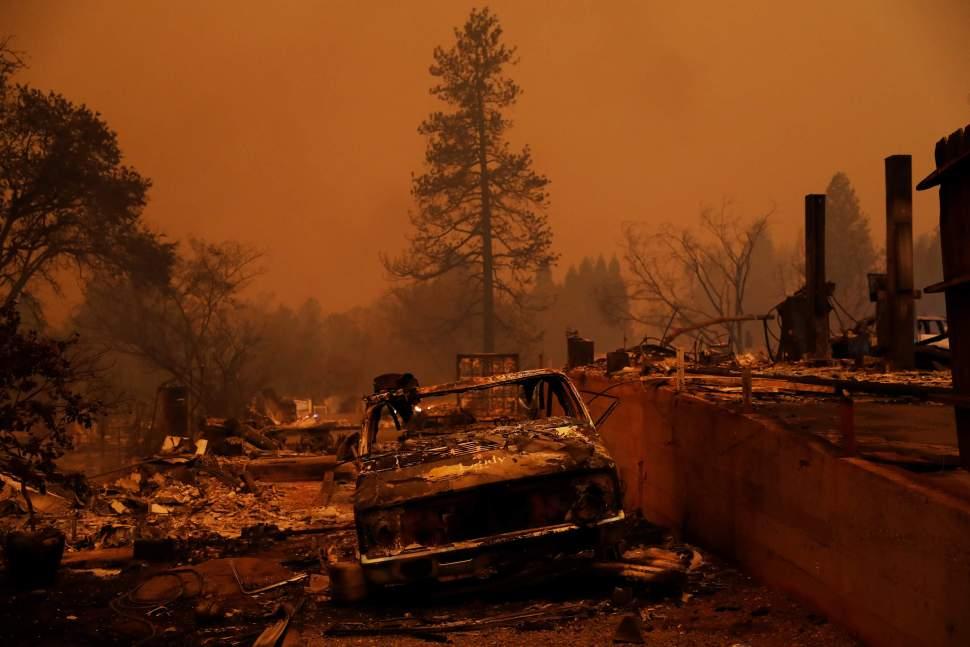 Van 48 muertos por incendios forestales en California