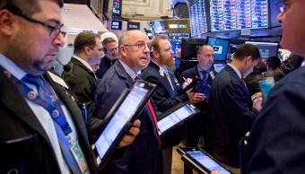 Wall Street cierra mixto y el Dow Jones sube 0.49 por ciento