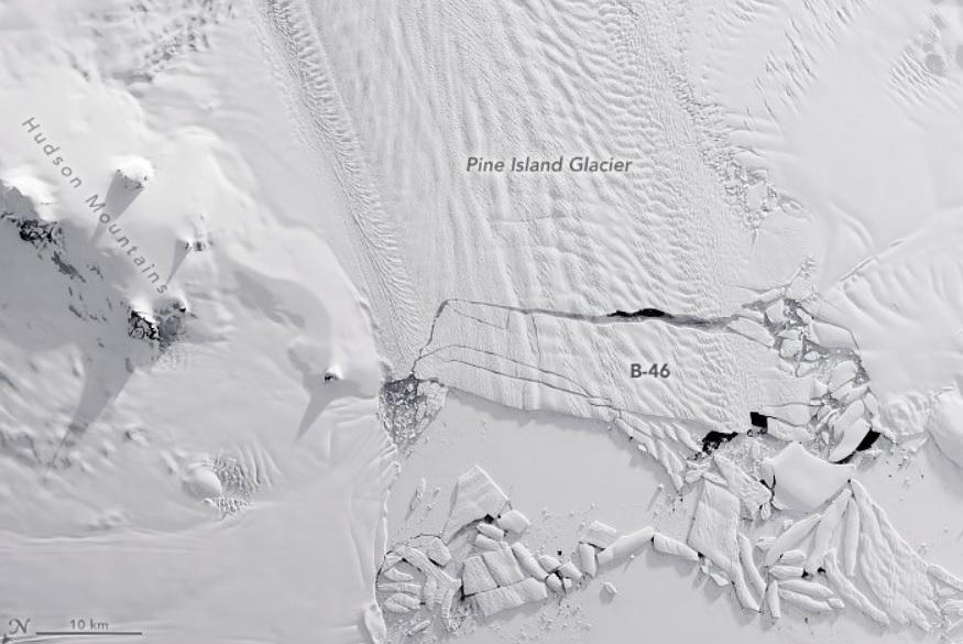 Iceberg gigante, tres veces más grande que Manhattan, se desprende de glaciar en la Antártida