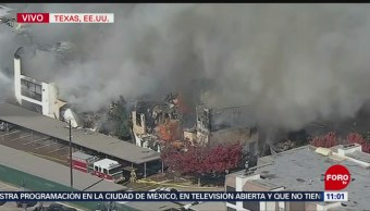 Intentan controlar incendio en condominios de Dallas, Texas