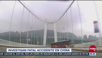 Investigan accidente de camión que cayó desde puente en China