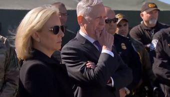 Jefe del Pentágono supervisa tropas en frontera con México
