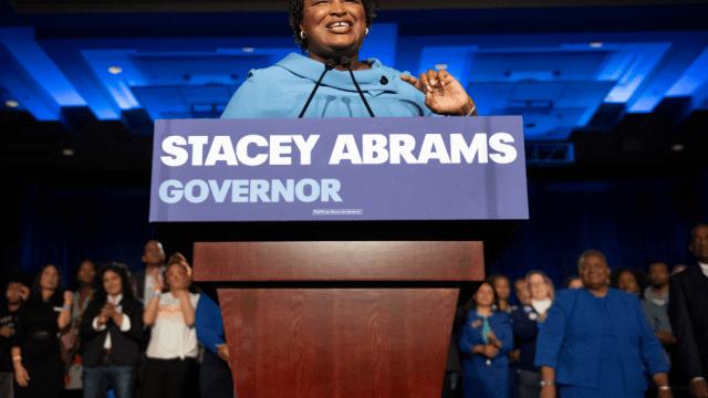 Demócrata Abrams se niega a aceptar derrota en Georgia