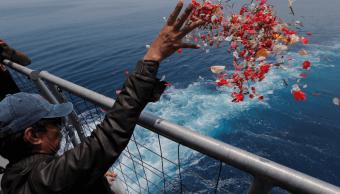 Oración masiva por víctimas de avión accidentado Indonesia