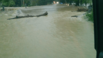 Lluvias del frente frío 12 inundan carretera Villahermosa-Teapa