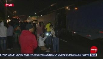 Manifestantes abren un carril en avenida Constituyentes