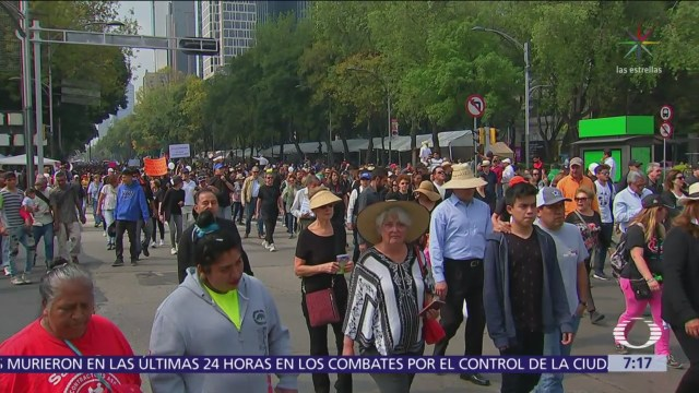 Marchan en CDMX a favor del NAIM en Texcoco