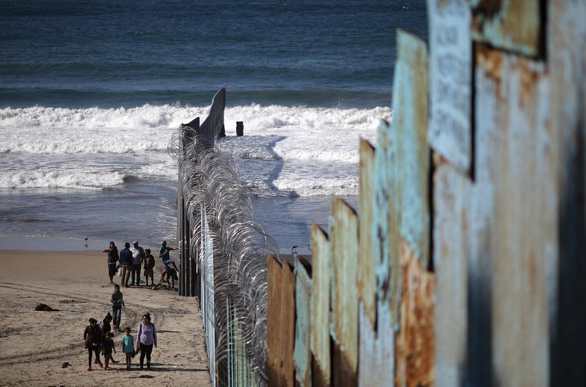Pompeo busca soluciones con México por caravana migrante