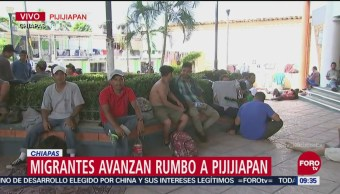 Migrantes descansan en Pijijiapan, Chiapas