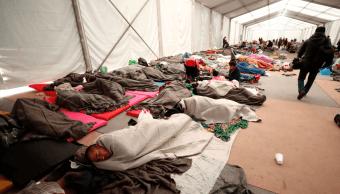 Algunos migrantes agrupados en 4 caravanas se quedan en México