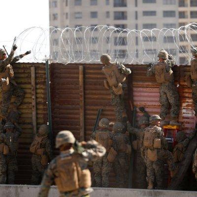 Marchan contra militarización para intimidar a migrantes en El Paso, Texas
