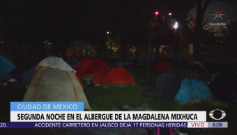 Migrantes pasan segunda noche en albergue de la Magdalena Mixhuca
