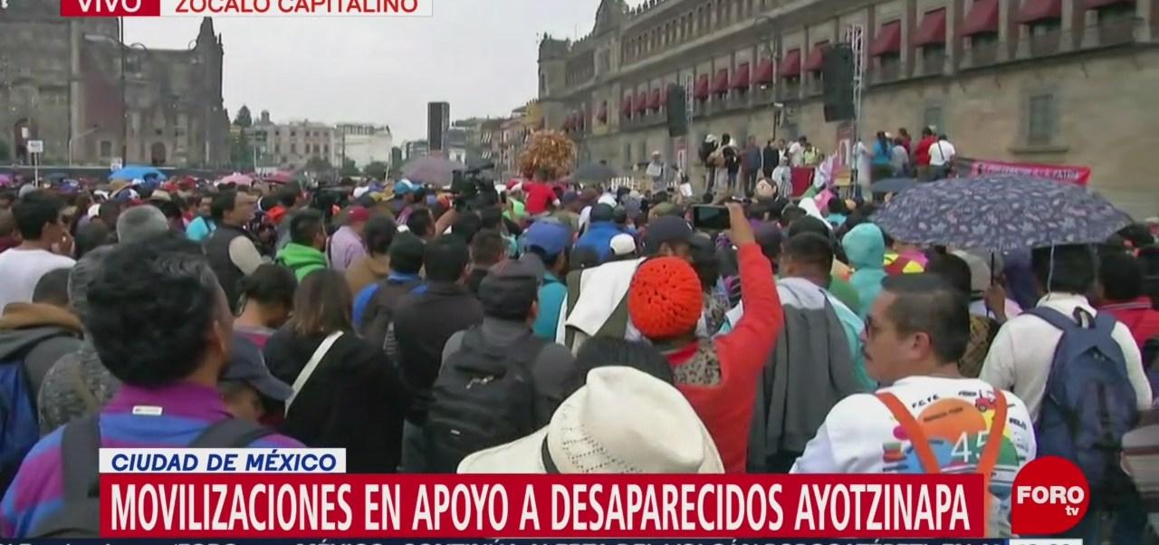 Movilizaciones en Zócalo de la CDMX, en apoyo a desaparecidos de Ayotzinapa