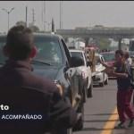 Niños viajan solos en caravana migrante