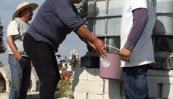 Panteones de la CDMX, abarrotados en Día de Muertos