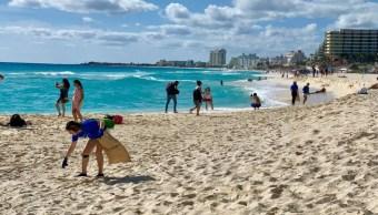 Cancún se suma a misión de '4Ocean' para limpiar playas