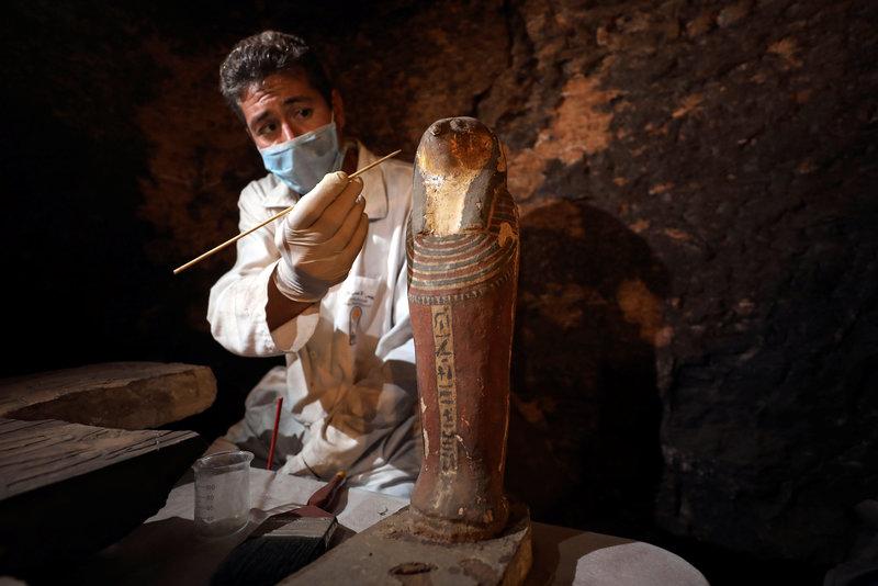 egipto momias animales estatuas gatos arqueologia
