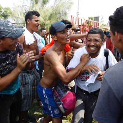 Censan a integrantes de la caravana de salvadoreños en Oaxaca
